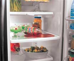 Достоинства и недостатки стеклянных  полок в холодильнике